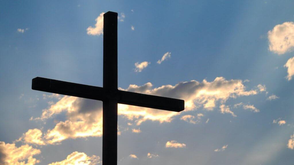 Kreuz-vor-Himmel